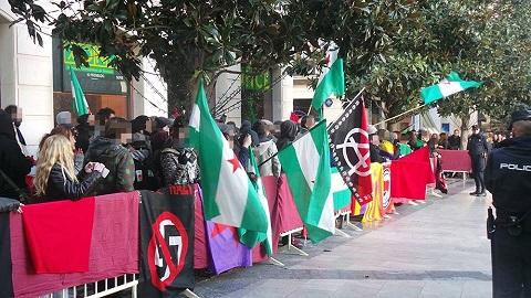 Un año más centenares de antifascistas dicen No al fascismo, no al racismo, no a la xenofobia… No a latoma