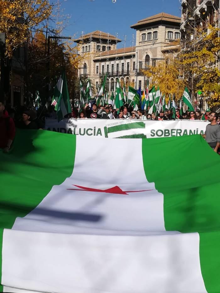 Granada clama contra el régimen del 78 y el fascismo y exige soberanía paraAndalucía.