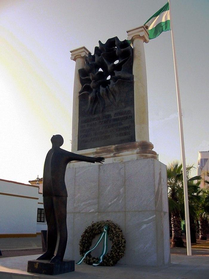 800px-Monument_to_Blas_Infante,_Seville
