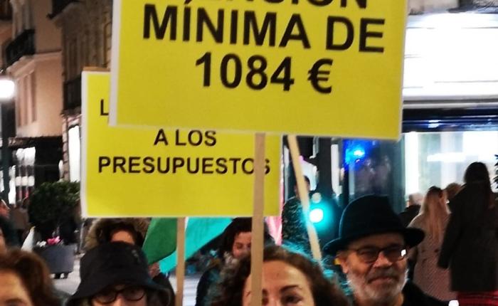 Granada exigió pensiones,trabajo y educación publicas ydignas.