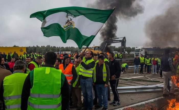 En defensa de los trabajadores de Domingo Pérez reprimidos el pasadomiércoles.